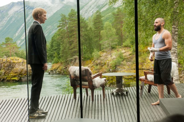 http://moviemag.ir/images/phocagallery/1/Ex_Machina/thumbs/phoca_thumb_l_3.jpg