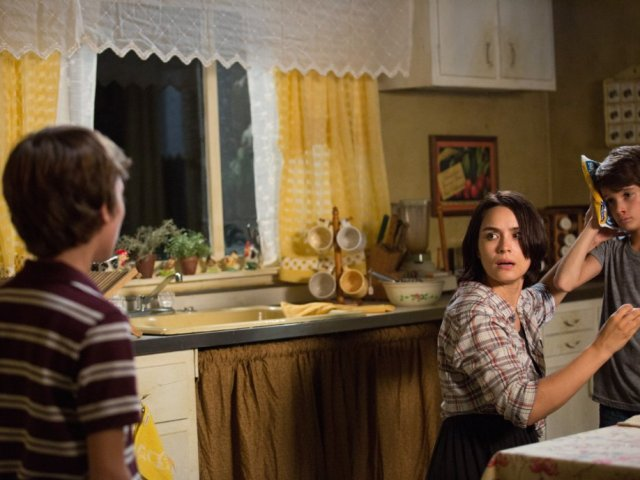 http://moviemag.ir/images/phocagallery/1/Sinister_2/thumbs/phoca_thumb_l_5.jpg