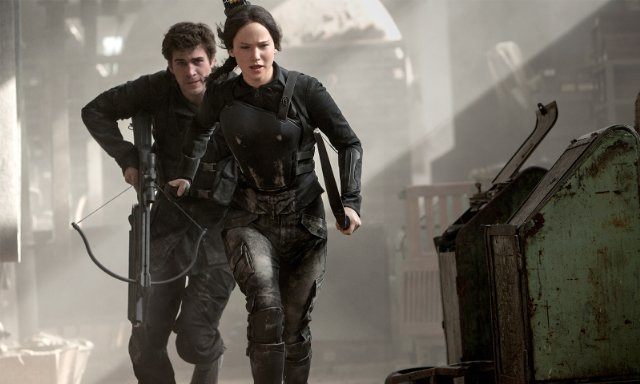http://moviemag.ir/images/phocagallery/1/The_Hunger_Games_Mockingjay_Part_1/thumbs/phoca_thumb_l_7.jpg