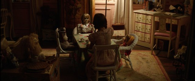 http://moviemag.ir/images/phocagallery/9016/Annabelle_Creation/thumbs/phoca_thumb_l_2.jpg