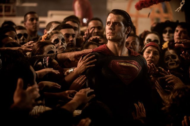 http://moviemag.ir/images/phocagallery/9016/Batman_v_Superman_Dawn_of_Justice/thumbs/phoca_thumb_l_2.jpg