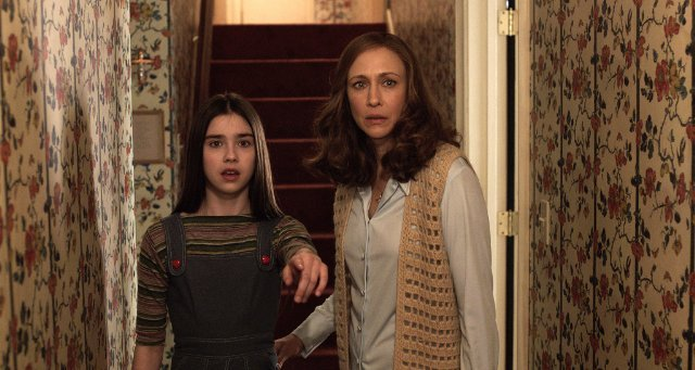http://moviemag.ir/images/phocagallery/9017/The_Conjuring_2/thumbs/phoca_thumb_l_10.jpg