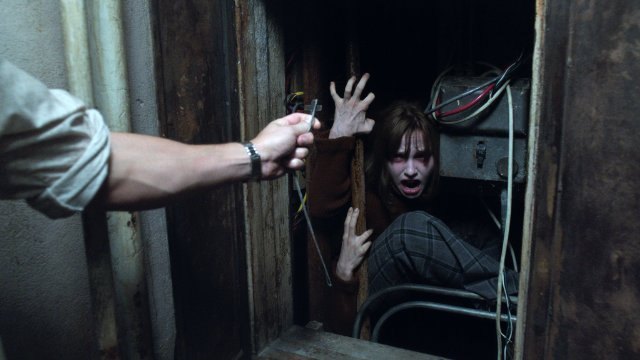 http://moviemag.ir/images/phocagallery/9017/The_Conjuring_2/thumbs/phoca_thumb_l_8.jpg