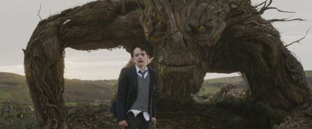 http://moviemag.ir/images/phocagallery/9018/A_Monster_Calls/thumbs/phoca_thumb_l_2.jpg