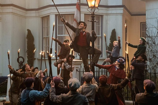 https://moviemag.ir/images/phocagallery/9018/Mary_Poppins_Returns/thumbs/phoca_thumb_l_8.jpg