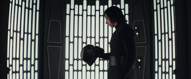 http://moviemag.ir/images/phocagallery/9018/Star_Wars_The_Last_Jedi/thumbs/phoca_thumb_l_8.jpg