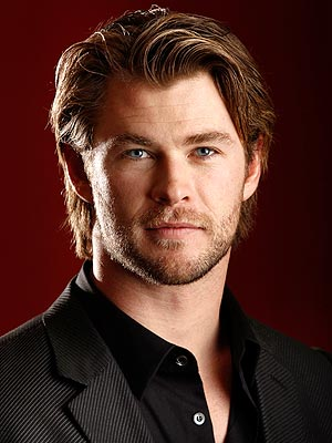 chris hemsworth 300