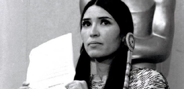sacheen littlefeather refuses marlon brandos oscar 1973