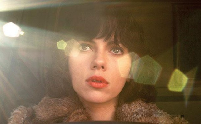Under The Skin Review 0640x480
