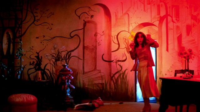 suspiria 1977 005 girl in red room crop640x480