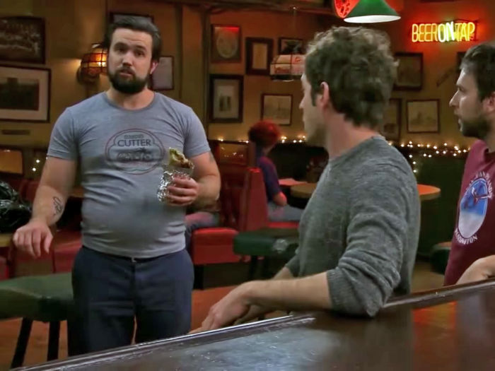 rob mcelhenney spent five months gaining 50 pounds to make his character funnier on its always sunny in philadelphia w700