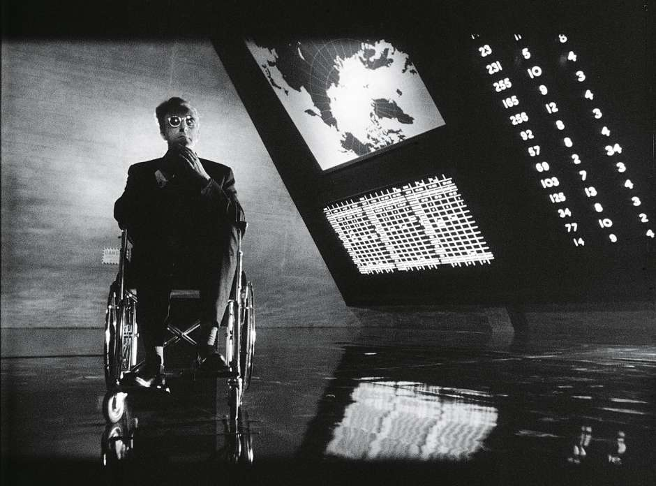 ۸- Dr. Strangelove or: How I Learned to Stop Worrying and Love the Bomb (1964)